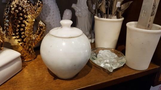 Boîte en marbre blanc, Agra en Inde – Prix de vente : 35€.