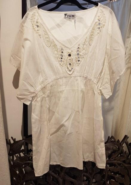 Robe en voile de coton, motif et perles brodés, INDE - Prix de vente : 80€.