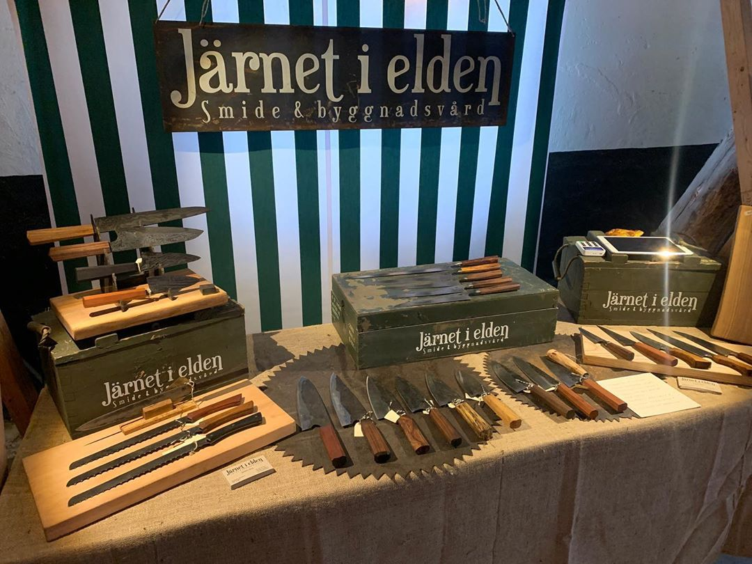 First and only christmas market for the year, Jul på Övedkloster!  Open Friday-Sunday!  Bring home a mww chefs knife for yourself or some you would like to have cook for you for the foreseeable future #återbruk #österlen