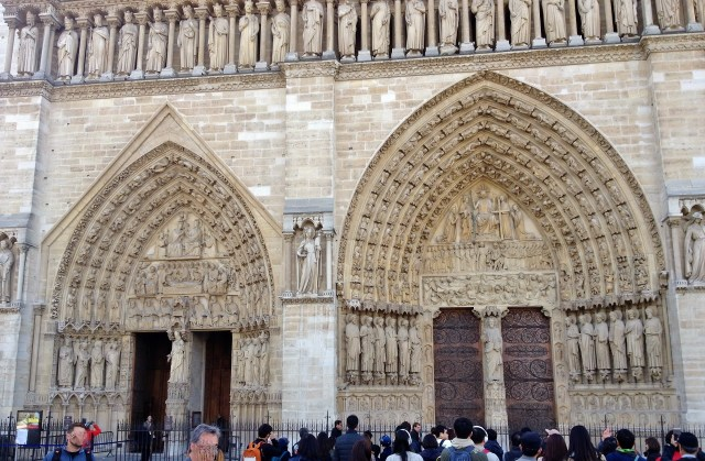 Front doors of Notre Dame Cathedral
