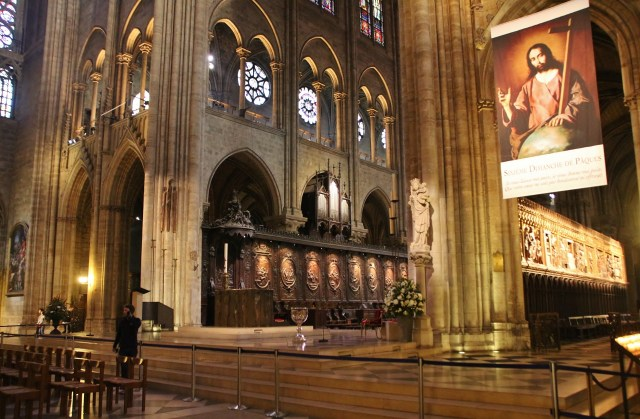 Organ and choir pews