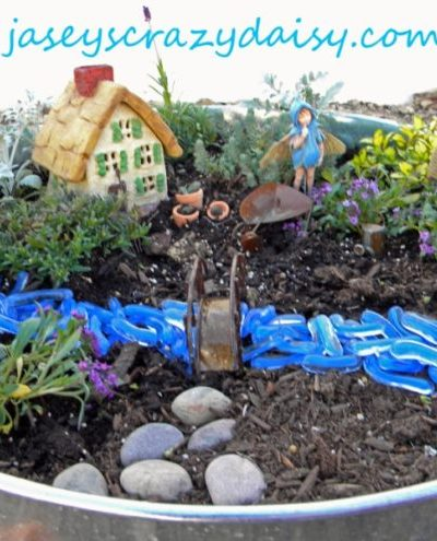 How Does Your {Fairy} Garden Grow? DIY How To Plant A Fairy Garden