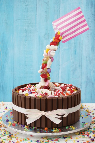 How to Make a Candy WaterFall Cake {Gravity Cakes Giveaway}