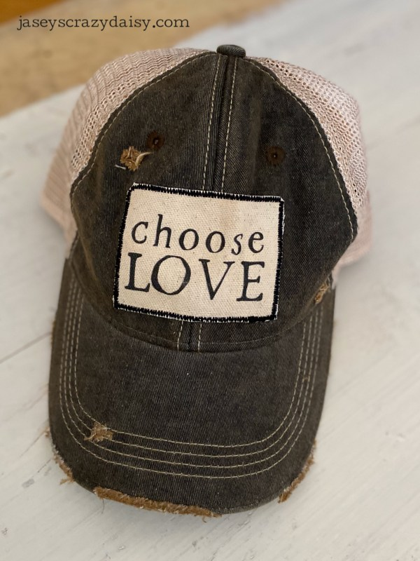 choose love hat black