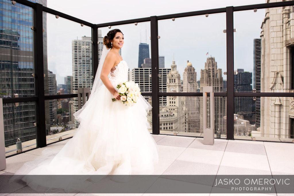 chicago-wedding-photographer-wyndgam-hotel-river-front-13