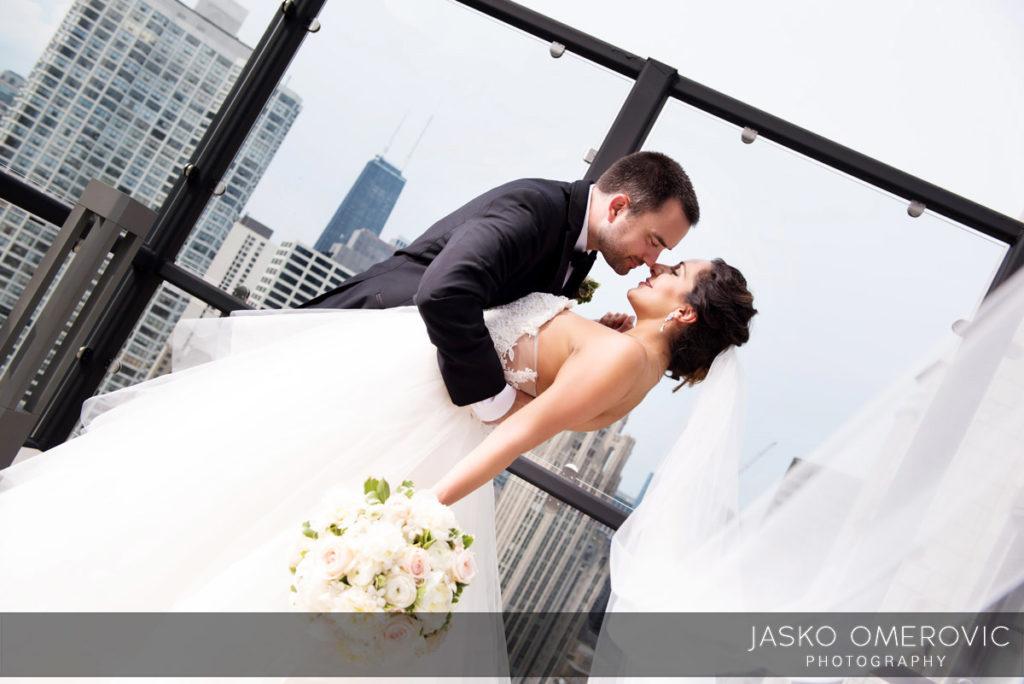 chicago-wedding-photographer-wyndgam-hotel-river-front-15