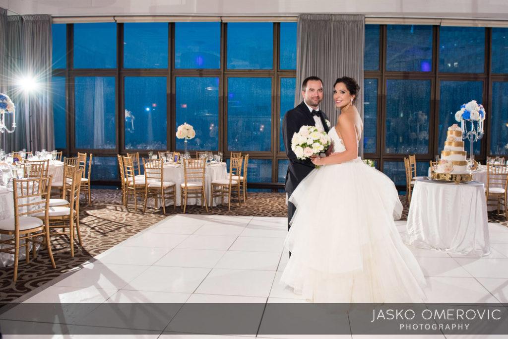 chicago-wedding-photographer-wyndgam-hotel-river-front-18