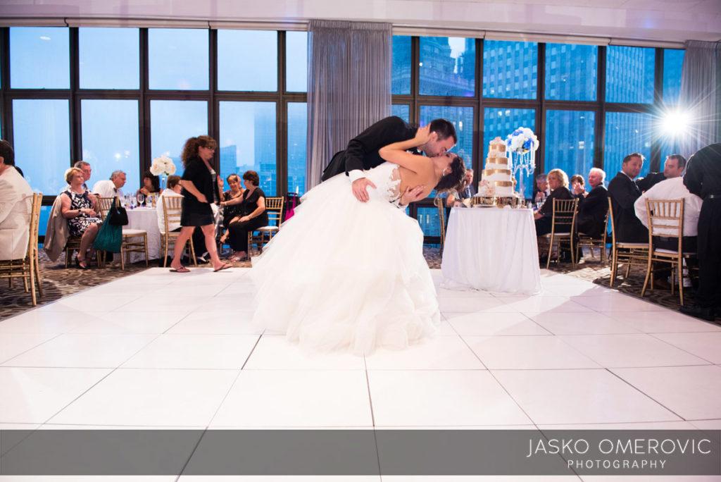 chicago-wedding-photographer-wyndgam-hotel-river-front-19