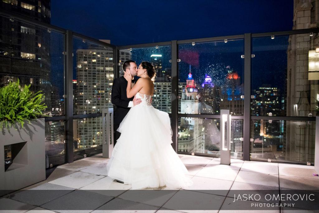 chicago-wedding-photographer-wyndgam-hotel-river-front-20