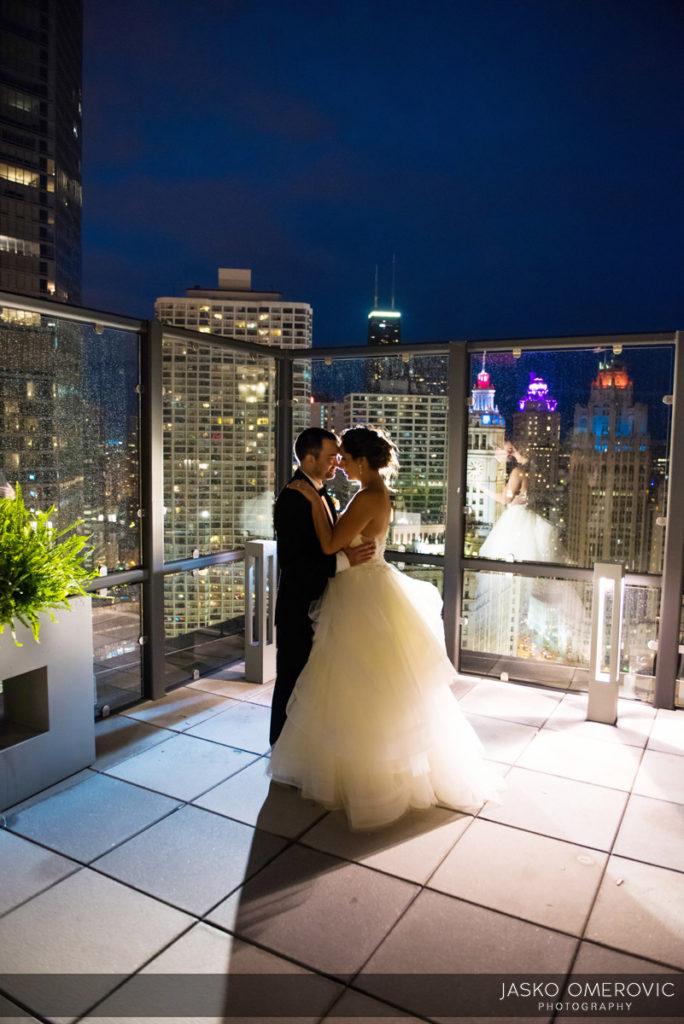chicago-wedding-photographer-wyndgam-hotel-river-front-21