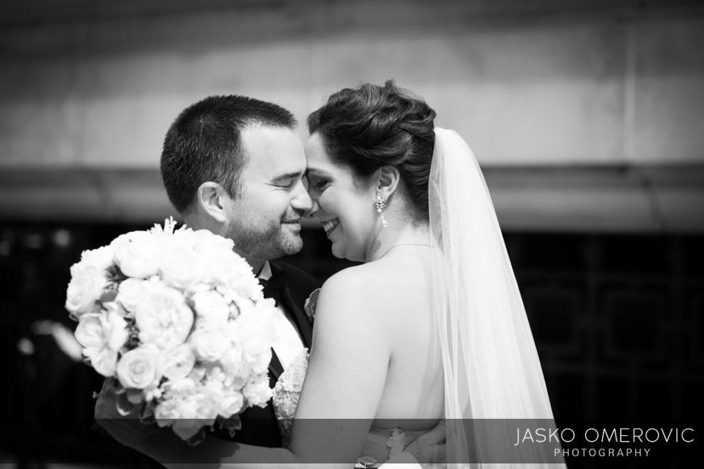 chicago-wedding-photographer-wyndgam-hotel-river-front-4