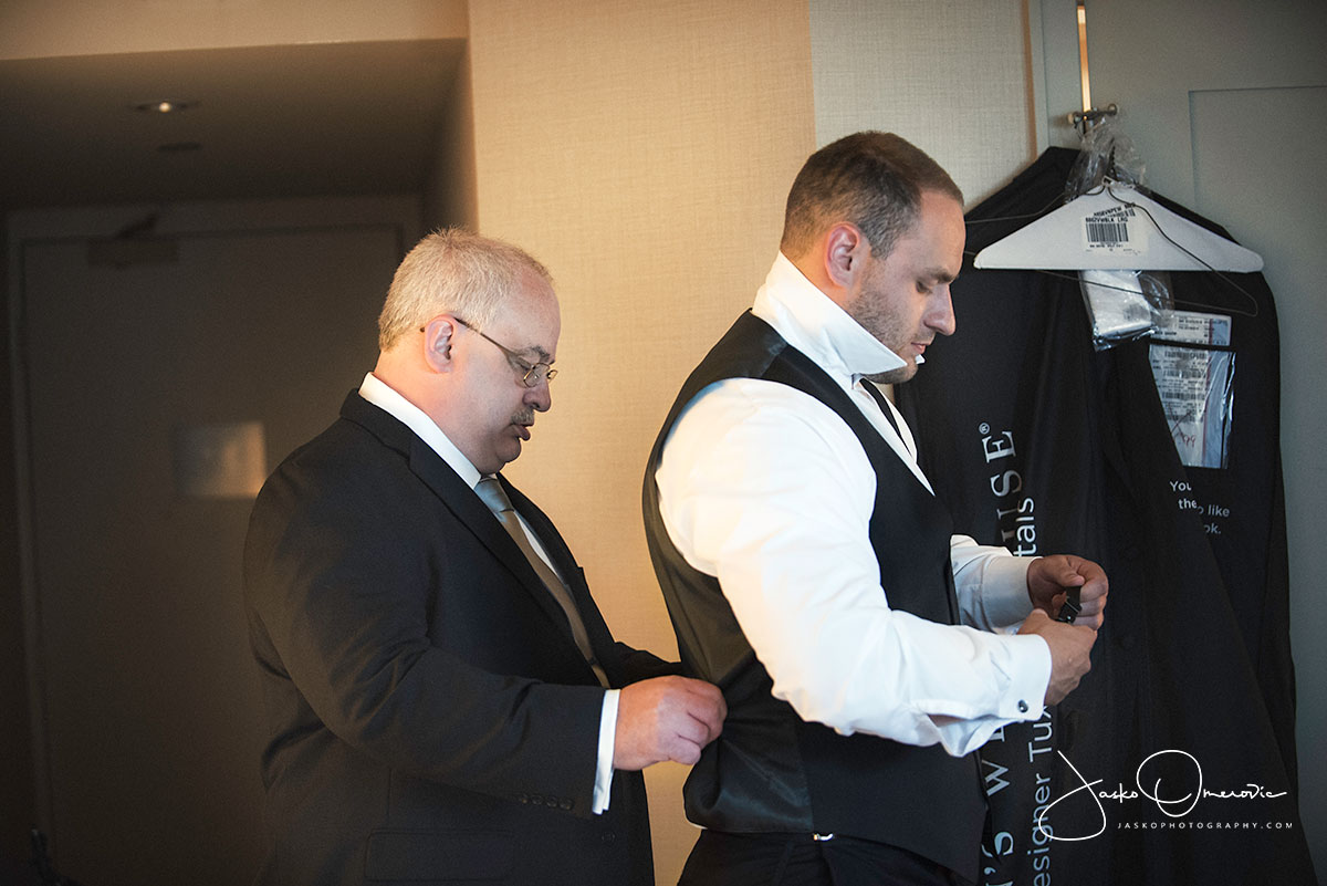 groom getting ready at royal sonesta chicago