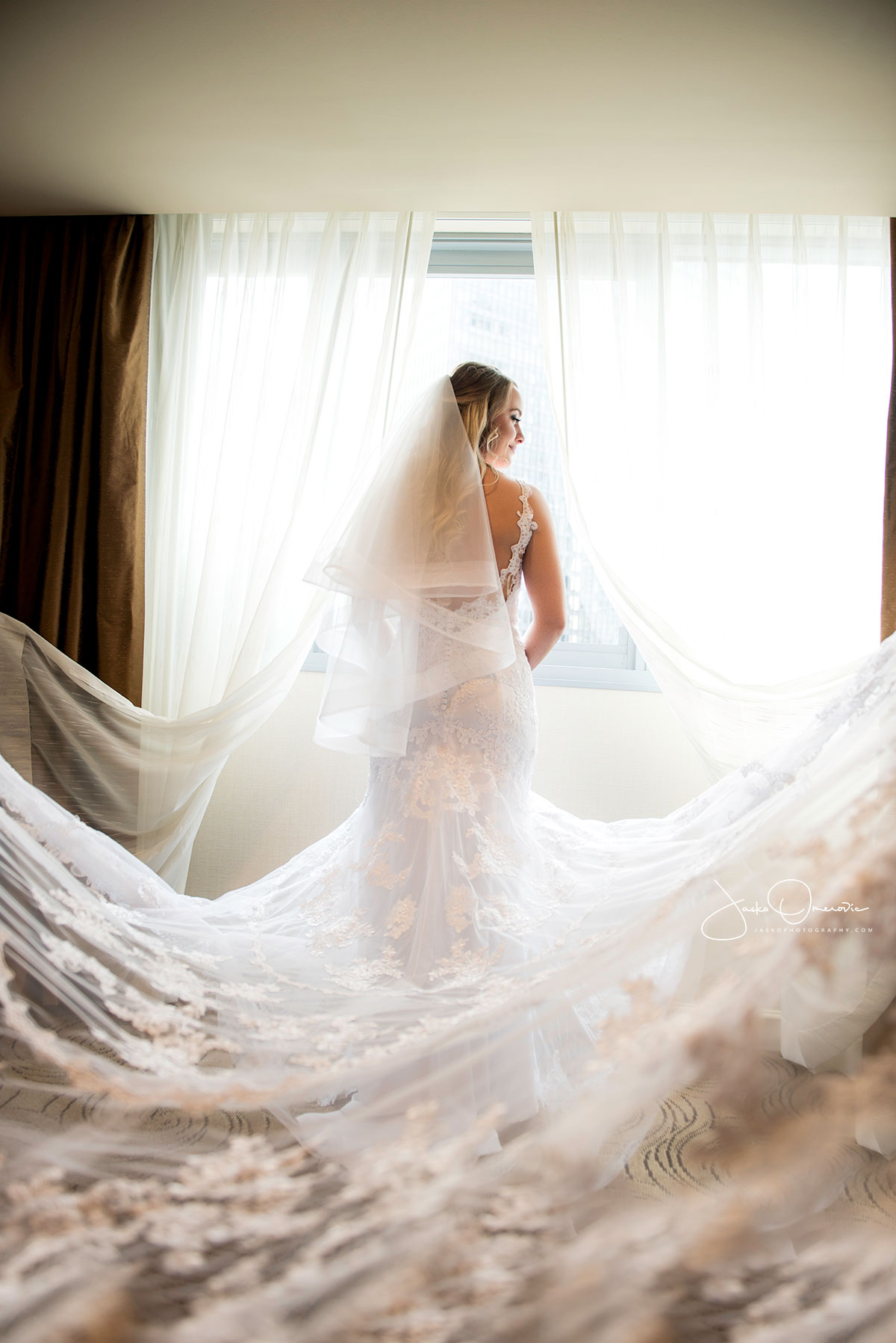 royal sonesta chicago wedding bride portrait
