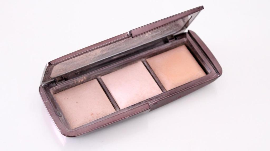 Ik heb het Ambient Lighting Palette. Van links naar rechts zie je Dim Light, Incandescent Light (LE) en Radiant Light