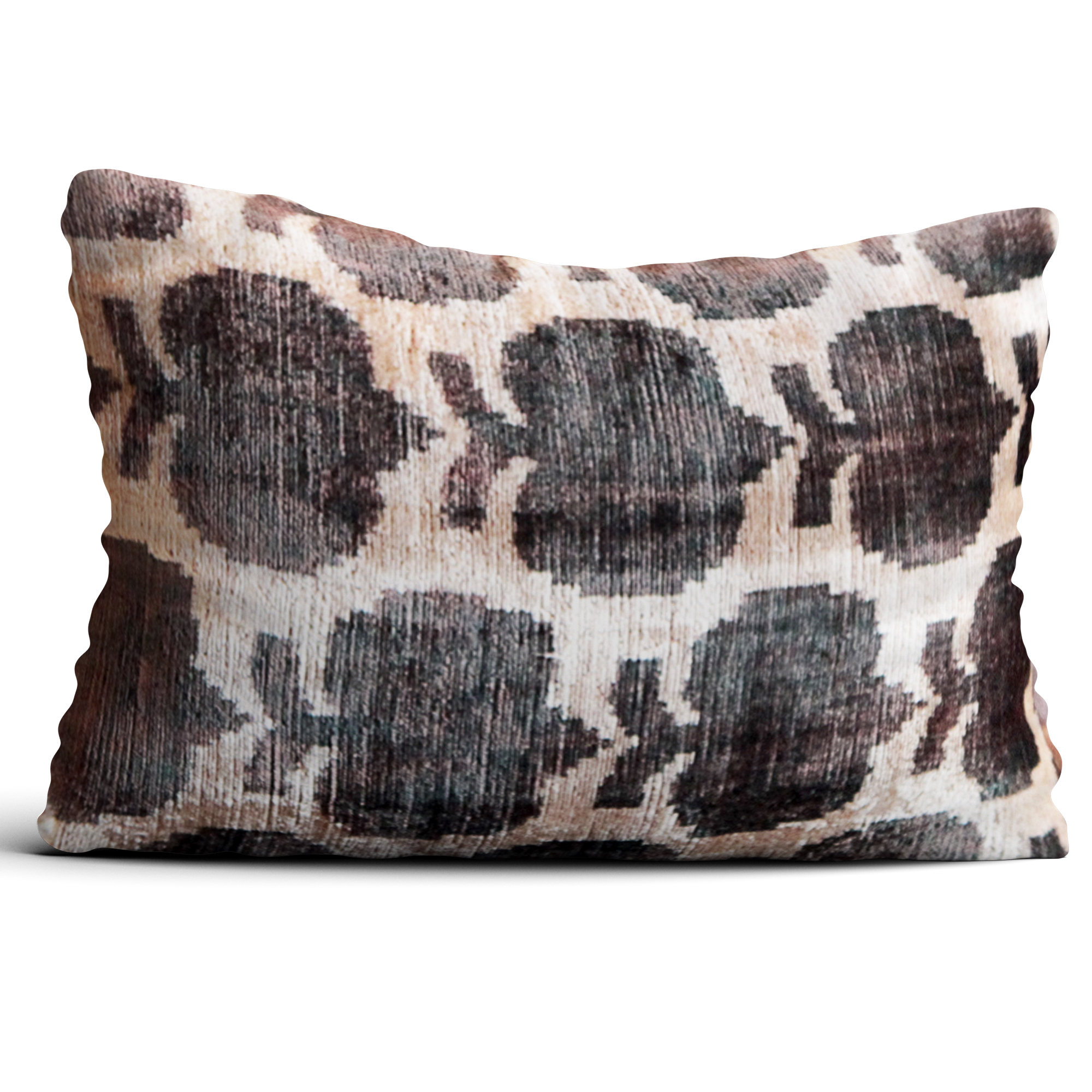 6768-silk-velvet-pillow