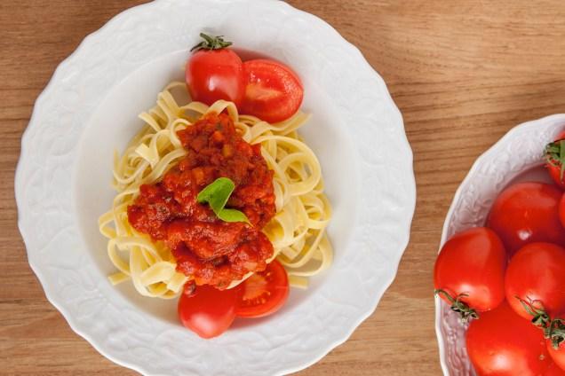 marcato-pasta-machine-lifestyle-above