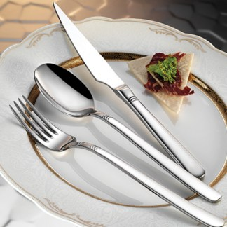 fiore-s-flatware-collection-lifestyle