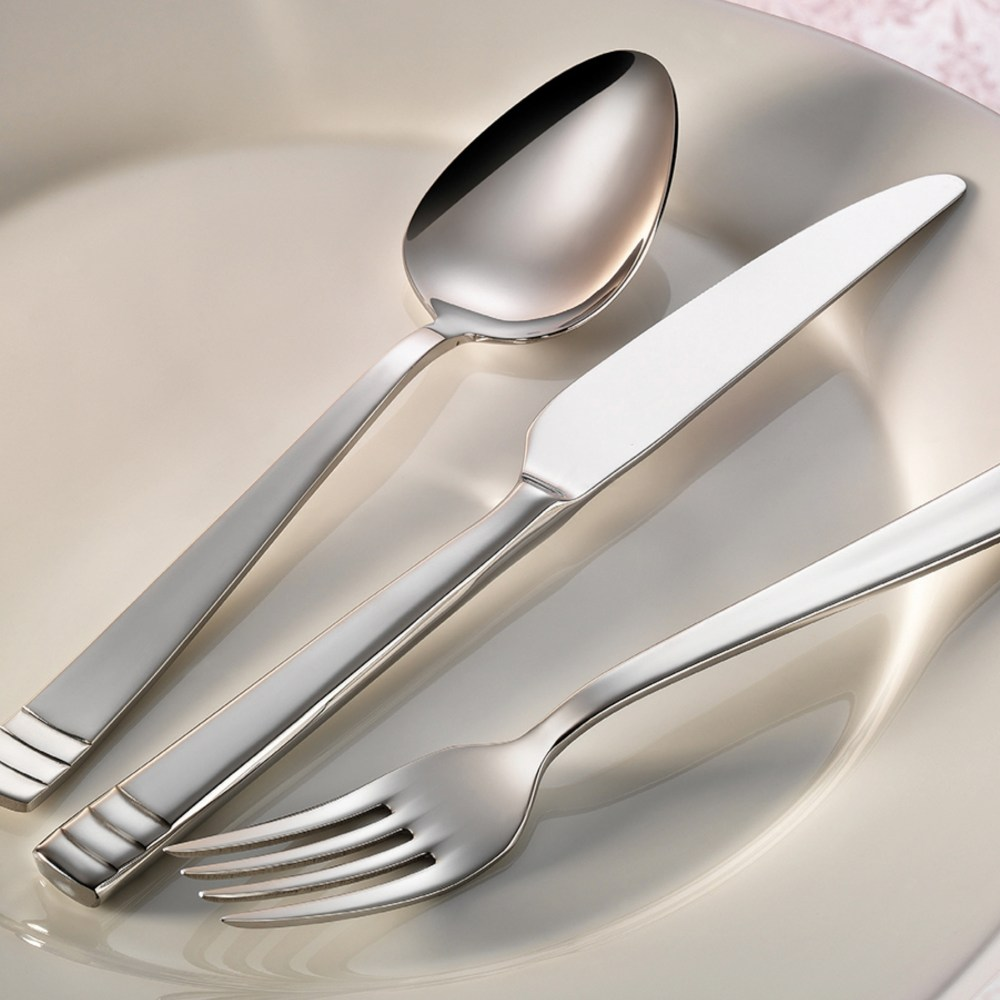 riva-flatware-collection-lifestyle
