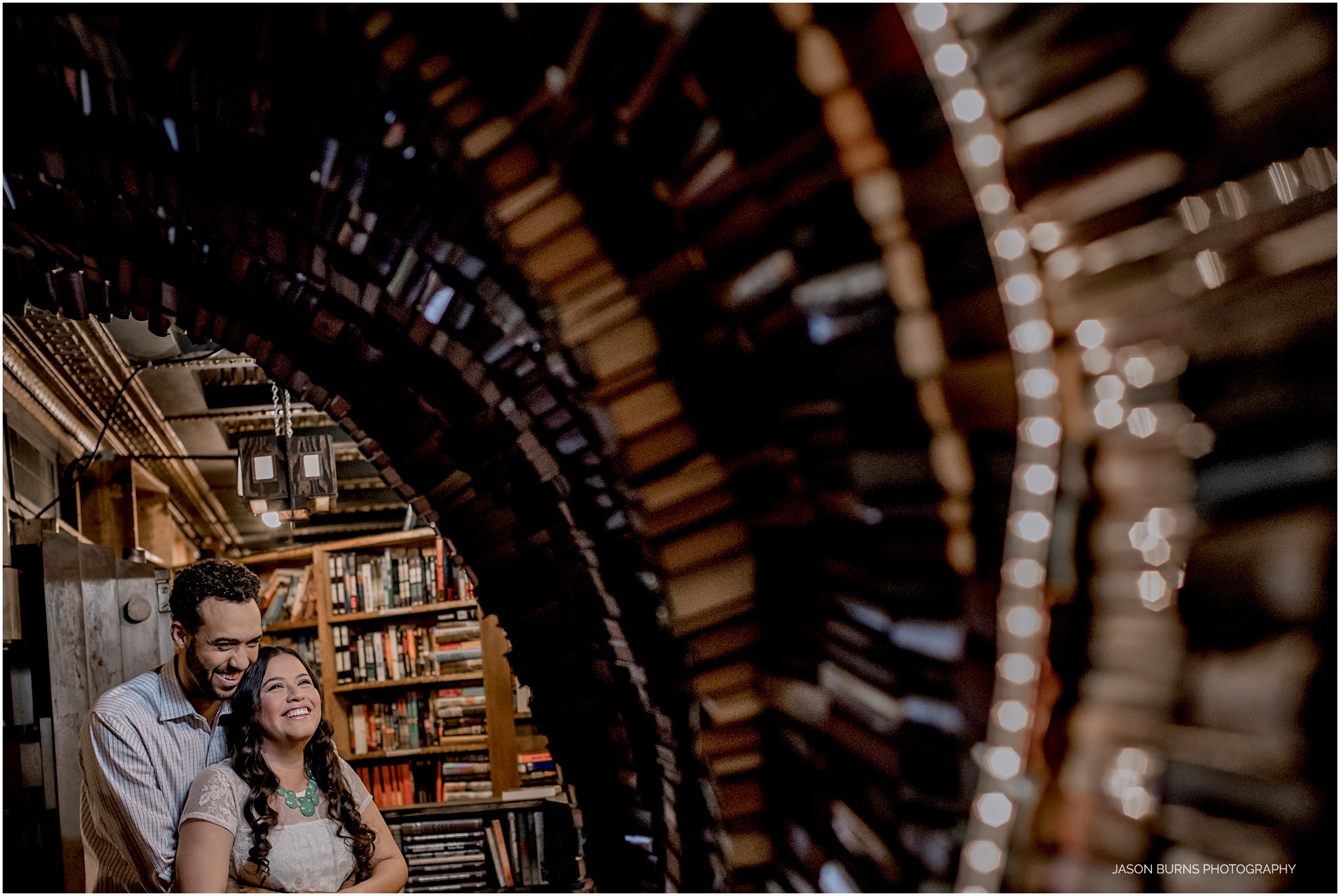 Los-angeles-engagement-session-the-last-bookstore04