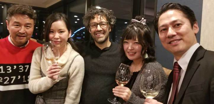 Hideyuki and myself along with attendees of the jason oliva Art and wine event in tokyo 2019