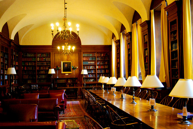 Adams House (Harvard): Library of