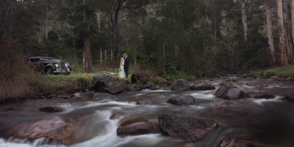 Wedding Photography at Pinnacle Valley Resort and Mansfield by Albury and Melbourne Wedding Photographer