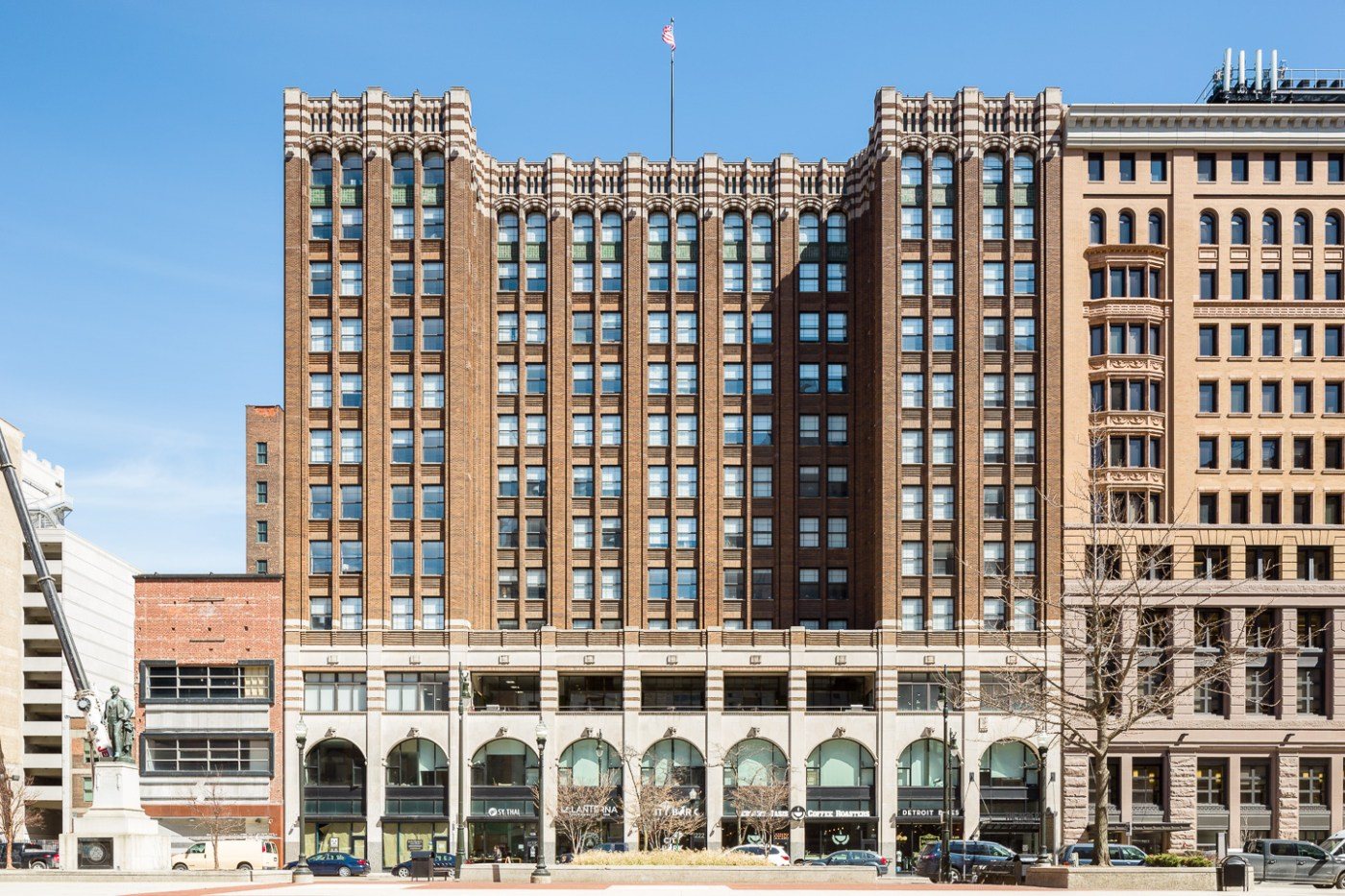 Exterior photograph of Griswold Building in Detroit, Michigan by architect Albert Kahn.