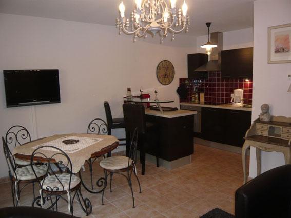 Ravissant Appartement Ensoleillé – Domaine de Pont Royal