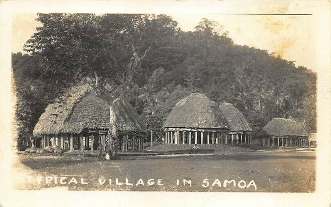 Samoa-Oceania-Thatched-Huts-Real-Photo-Postcard