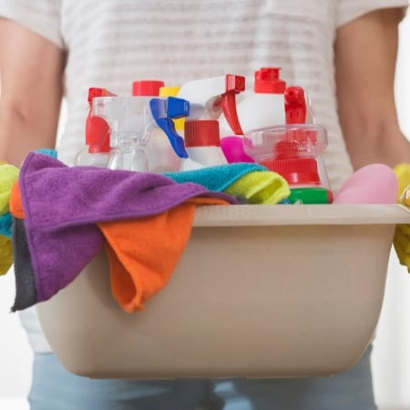 daily cleaning schedule with cleaning supplies