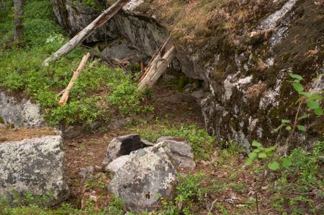 Någon har sovit under ett litet klippursprång