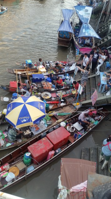Floating food-makers