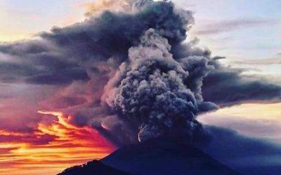 Emis 3000 mètre de cendre, Gunung Agung a enfin éclaté