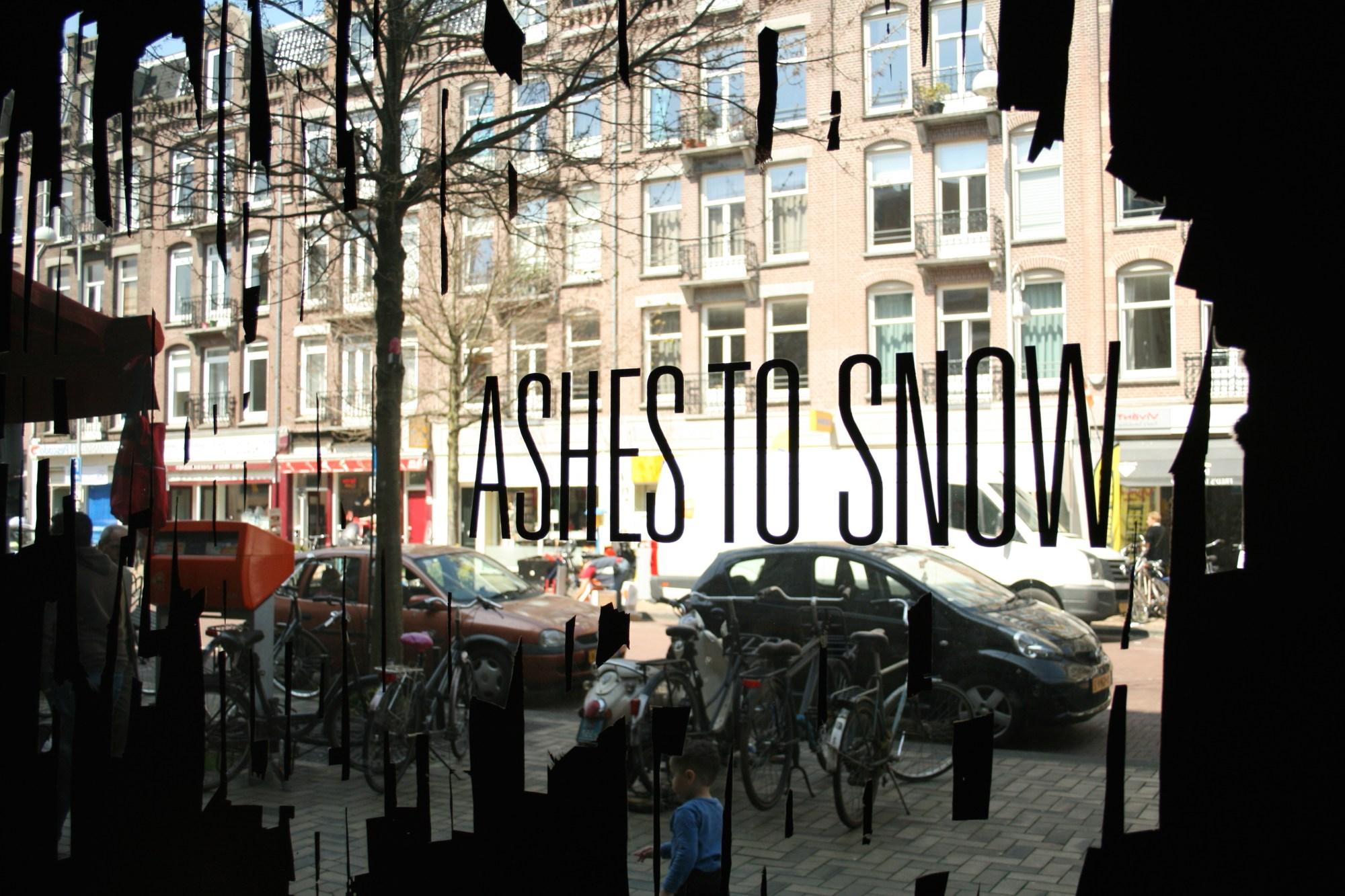 Gevel Ashes to Snow in de Javastraat, Javakwartier