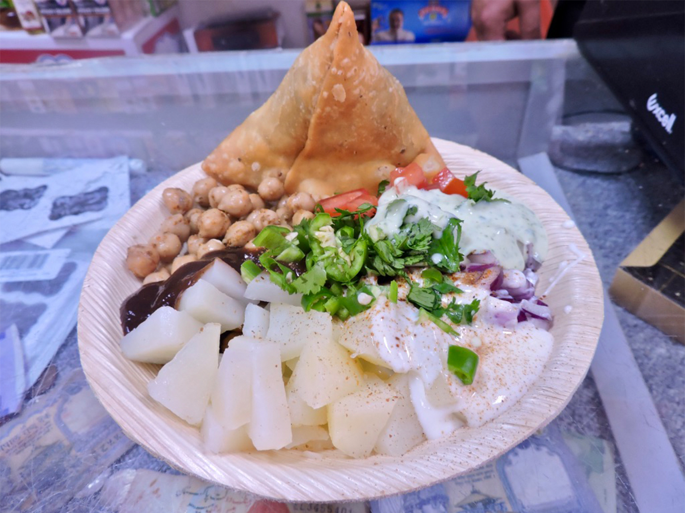Samosa chaat van Saeed's Curry House in de Javastraat