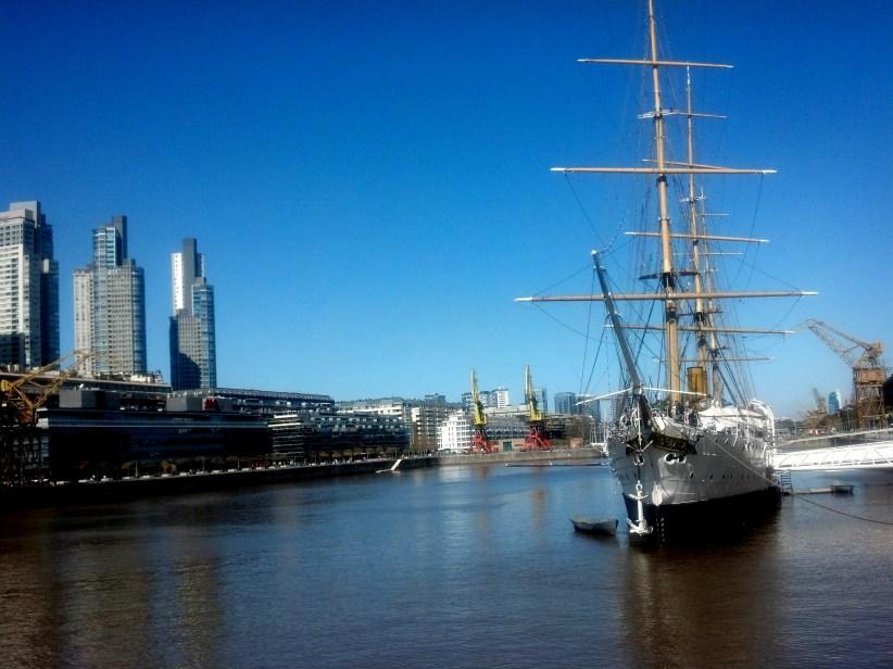 Puerto Madero: desde el Puente de la Mujer