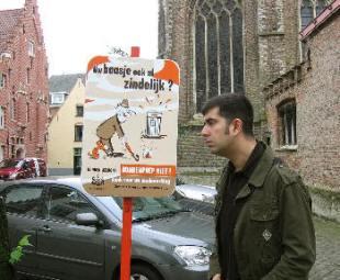 Curioso cartel...