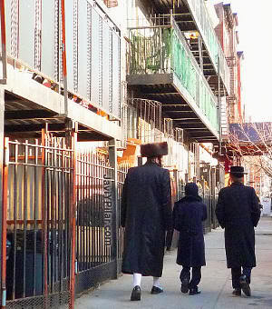 Visitando el barrio judío jasídico de Brooklyn (Nueva York) en Sabbath.
