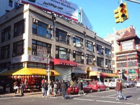 Bullicio, olores, precios bajos. Eso es Chinatown