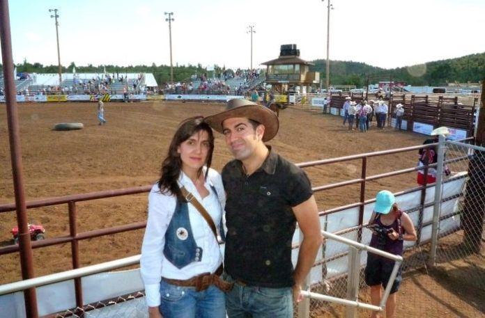 Nosotros en un famosísimo rodeo de un pueblo de Arizona en 2009.