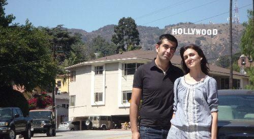 Nosotros en 2009 con el cartel de Hollywood