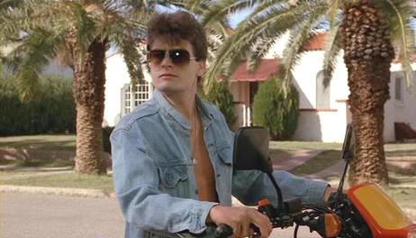 "Charlie Sheen en ""El Aparecido"" (""The Wraith"", 1986)"