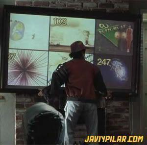 El hijo de Marty McFly pide ver varios canales a la vez a su televisor