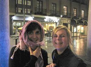 Era una noche agradable aunque con la viento frío era mejor abrigarse...