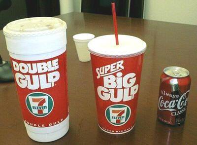 Bebidas gigantes en Estados Unidos. Las enormes bebdias de Seven Eleven. Double Gulp y Big Gulp