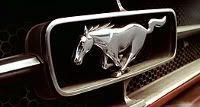 """El Mustang rojo descapotable de Cooper, de mediados del 64. """"Giro al Infierno"""" (""""U Turn"""", 1997)"""