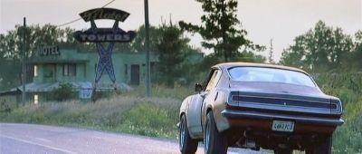 """Barracuda Super Stock Hemide 1968 de """"Sin Aliento"""" (""""Highwaymen"""", 2004)"""
