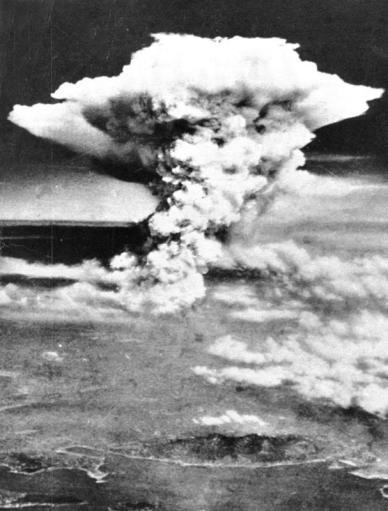 Hongo nuclear provocado por la explosión de la bomba A en Hiroshima (Japón)