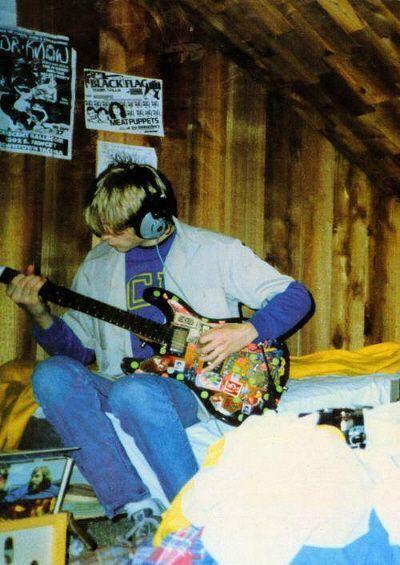 Kurt Cobain adolescente en su habitación