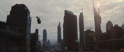 """Futuro distópico en """"Looper"""" (2012)"""